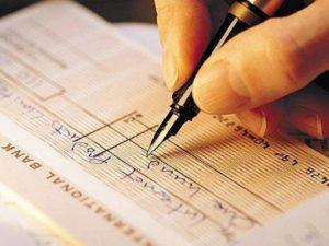 Devolução de cheques recua e atinge a menor taxa em 12 meses